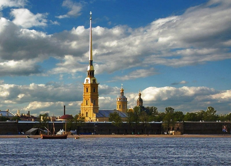 Петропавловската крепост в Санкт Петербург